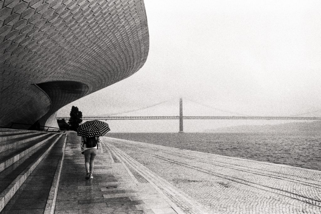 Kodak TMAX400 pushed 2 stops at 1600 ISO - Leica M6 + 28mm Zeiss Biogon f2.8